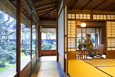 HMS0464468 Japan, Honshu Island, Kinki region, Kyoto, ryokan Hiirigiya open in 1818, bedroom where Litterature Nobel Prize winner Yasunari Kawabata regularly stayed