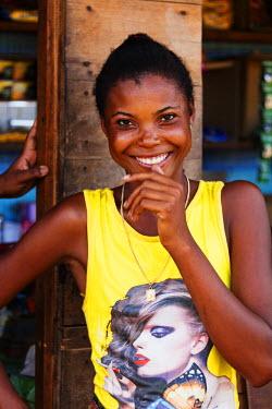 MAD0684 Africa, Western Madagascar, Tsiribihina River, local girl
