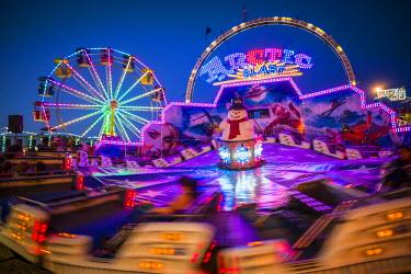 US03478 USA, Massachusetts, Cape Ann, Gloucester, St. Peter's Fiesta, Italian-Portuguese fishing community festival, Carnival, Arctic Blast ride