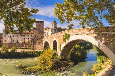 ITA9896AW Rome, Lazio, Italy. Pons Fabricius (Fabricius bridge) leading to Tiber island, the oldest Roman bridge in Rome.