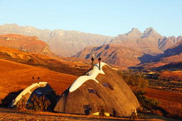 SAF6766 South Africa, Kwazulu-Natal, Drakensburg, Cathedral Peak Nature Reserve, Didima camp