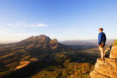 SAF6893 South Africa, Western Cape, Stellenbosch, hiker at Simonberg mountains (MR)
