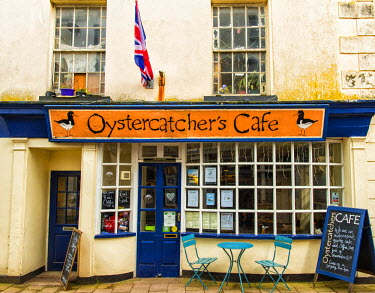 ENG14216AW The Oystercatcher's Cafe, Teignmouth, Devon, UK