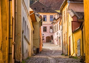 ROM1234AW Streets of the medieval town Sighisoara, Transylvania, Romania