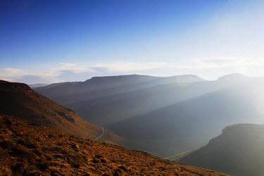 LES1199 Africa, Lesotho, highland scenery near Mahlasela pass