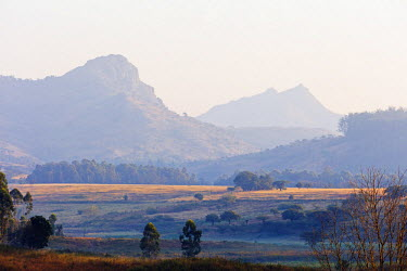 SWA0006 Swaziland, Mlilwane Wildlife Sanctuary, mountain landscape