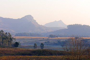 SWA0007 Swaziland, Mlilwane Wildlife Sanctuary, mountain landscape