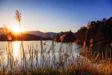 SWA0034 Swaziland, Mlilwane Wildlife Sanctuary, lakeside scenery at sunset