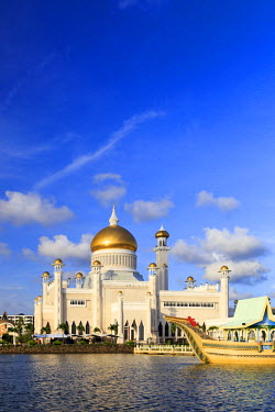 BI01003 Kingdom of Brunei, Bandar Seri Begawan, Omar Ali Saifuddien Mosque