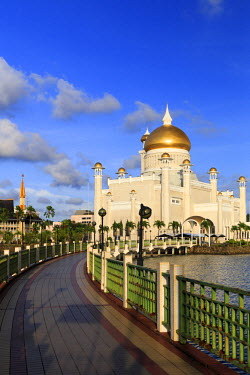 BI01004 Kingdom of Brunei, Bandar Seri Begawan, Omar Ali Saifuddien Mosque
