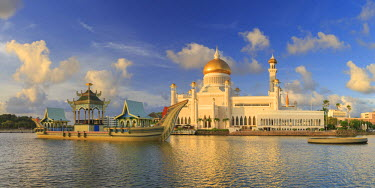 BI01009 Kingdom of Brunei, Bandar Seri Begawan, Omar Ali Saifuddien Mosque