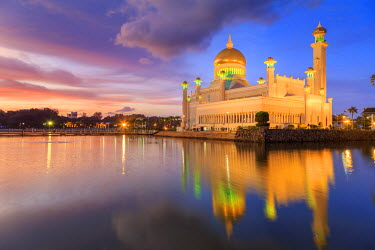 BI01013 Kingdom of Brunei, Bandar Seri Begawan, Omar Ali Saifuddien Mosque