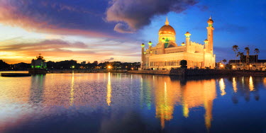 BI01015 Kingdom of Brunei, Bandar Seri Begawan, Omar Ali Saifuddien Mosque