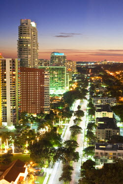 HMS0369731 United States, Florida, Miami, Downtown, view from Four Season hotels on Brickell Avenue at night fall