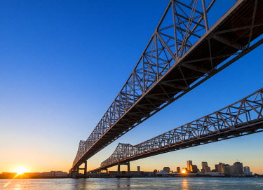 HMS2189400 United States, Louisiana, New Orleans, the Crescent City Connection Bridge on the Mississippi river