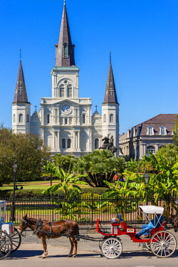 HMS2189408 United States, Louisiana, New Orleans, French district, Saint Louis cathedral and General Andrew Jackson's statue in Jackson Square