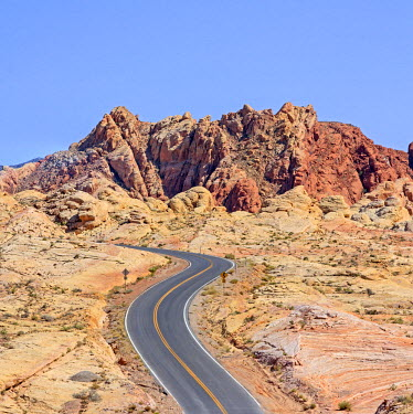HMS1687212 United States, Nevada, Colorado Plateau, Valley of Fire State Park, Valley of Fire highway