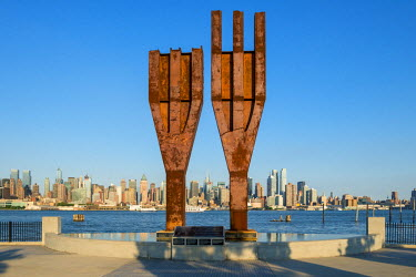 HMS2191723 United States, New Jersey, Weehawken, 9-11 Memorial, Manhattan view