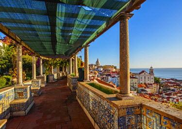 POR9220AW Portugal, Lisbon, Miradouro de Santa Luzia.