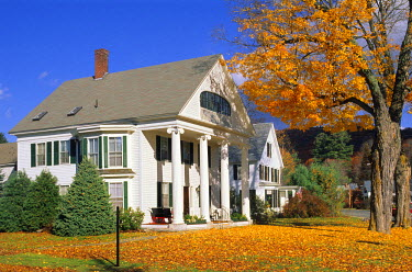 HMS0246942 United States, Vermont, Newfane, house in Autumn