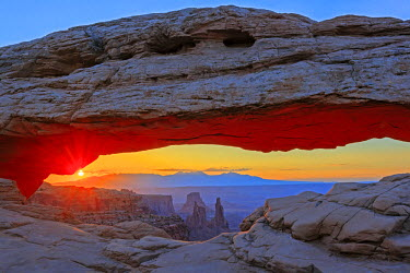 HMS1905138 United States, Utah, Colorado Plateau, Canyonlands National Park, Island in the Sky district, Mesa Arch at sunrise