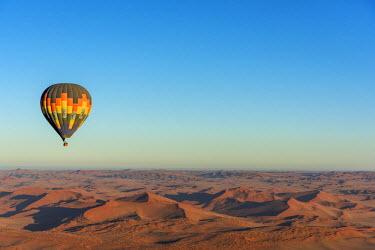 NAM6284AW Africa, Namibia, Sossusvlei. Ballooning over the namib desert.
