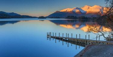 UK545RF UK, England, Cumbria, Lake District, Keswick, Derwentwater, Ashness Jetty, Skiddaw Mountain in background