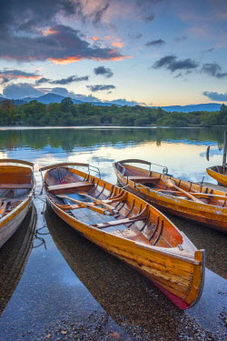 UK08026 UK, England, Cumbria, Lake District, Derwentwater, Keswick, Rowing Boats for hire