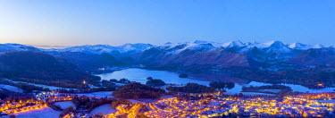 UK08113 UK, England, Cumbria, Lake District, Keswick and Derwentwater at night