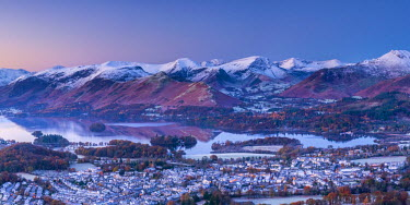 UK08120 UK, England, Cumbria, Lake District, overlooking Keswick and Derwentwater from Latrigg