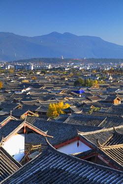 CH10874AW View of Lijiang (UNESCO World Heritage Site), Yunnan, China