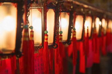 CH11019AW Lanterns at Man Mo Temple, Sheung Wan, Hong Kong Island, Hong Kong, China