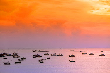 VIT1247AW South East Asia, Vietnam, Binh Thuan, Mui Ne, fishing boats in the natural harbour off Mui Ne village