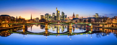 GER9250AW Frankfurt am Main skyline panorama, Hesse, Germany