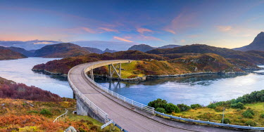 UK561RF UK, Scotland, Highland, Sutherland, Loch a' Chairn Bhain, Kylesku, Kylesku Bridge, a landmark on the North Coast 500 Tourist Route
