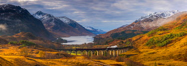UK03364 UK, Scotland, Highland, Loch Shiel, Glenfinnan, Glenfinnan Railway Viaduct, part of the West Highland Line, made famous in JK Rowling's Harry Potter as the Hogwarts Express