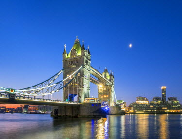 ENG14261AW United Kingdom, England, London. Tower Bridge over the River Thames at dawn.