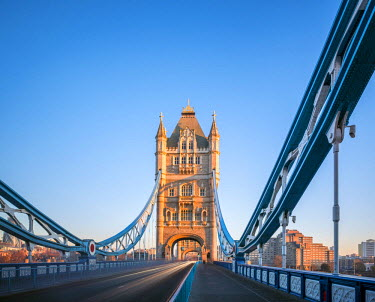 ENG14269AW United Kingdom, England, London. South Tower of Tower Bridge.