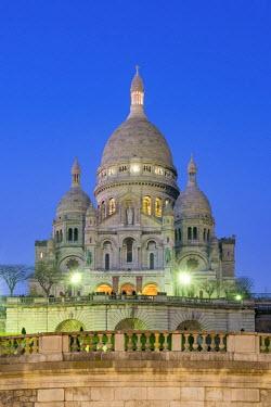 FRA9545AW France, Paris. Basilica of Sacre Coeur, Montmartre.