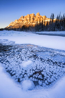 CAN3139AW Castle Mountain in Winter, Banff National Park, Alberta, Canada