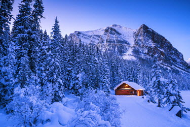 CAN3154AW Cabin in Winter, Lake Louise, Banff National  Park, Alberta, Canada