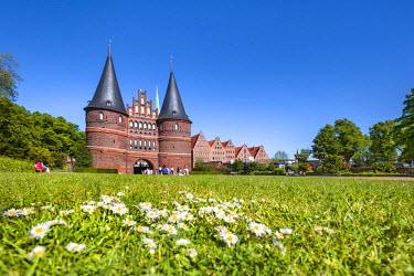 GER9278AW Holstentor, Lübeck, Baltic coast, Schleswig-Holstein, Germany