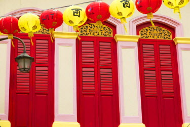SNG1342AW Lanterns and traditional shophouse in Chinatown, Singapore