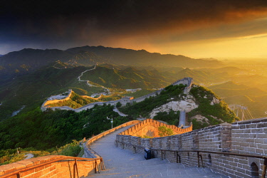 CH11202AW China, Beijing, Great wall of Badaling, sunset on the great wall