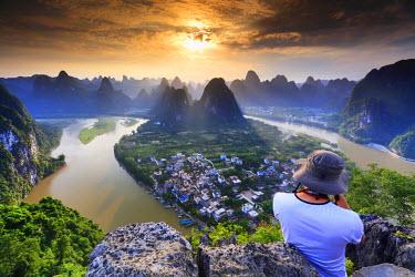 CH11306AW China, Guangxi province, Xingping village along River Li