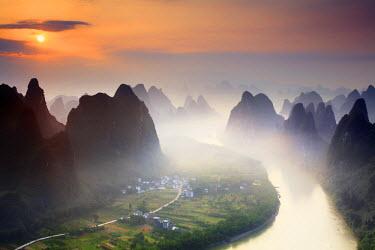 CH11310AW China, Guangxi province, Xingping village along River Li