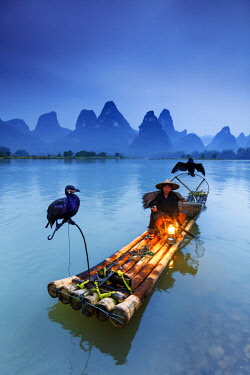 CH11313AW China, Guangxi province, Xingping village along River Li. Traditional cormorant fisherman by night on the Li river