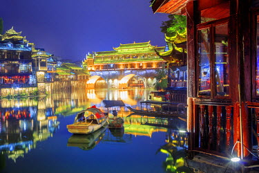 CH11361AW China, Hunan province, Fenghuang, riverside houses