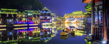 CH11362AW China, Hunan province, Fenghuang, riverside houses