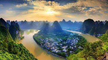 CH11383AW China, Guangxi province, Xingping village along River Li